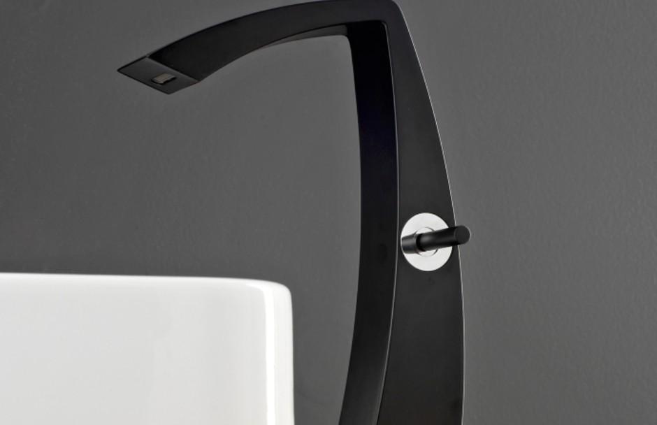 Aquabrass single lever faucet in matte black