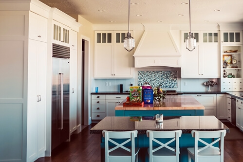 Time to redo the kitchen? Add some bold colours to make it stand out.