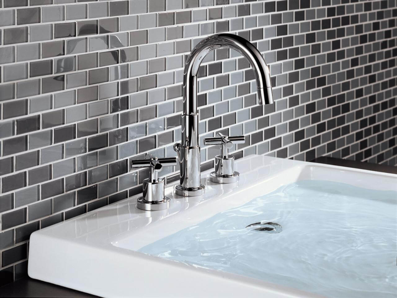 How to Choose the Best Material for Bathroom Fixtures